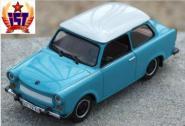 IXO Cars & CO 1:43 Trabant 601 de Luxe blau/weiß