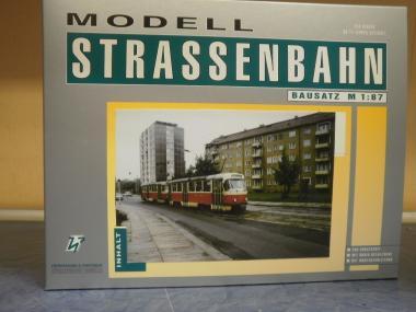 H & P 1:87 STRASSENBAHN TATRA T4/B4 Dresden graue Tür