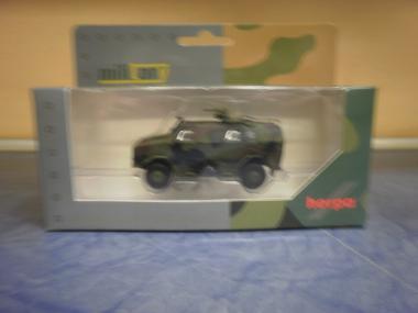 Herpa Military ATF Dingo mit KMW 1530, dekoriert