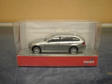 Herpa PKW BMW 5er Touring, glaciersilber metalllic 034401