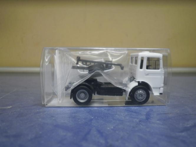 Herpa LKW Roman Diesel SZM 2achs orange 154222