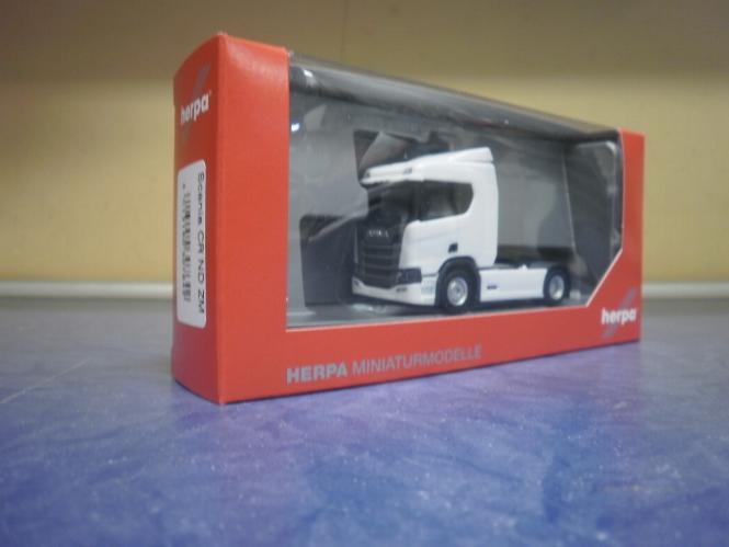 Herpa LKW Scania CR 20 ND/Aerop. SZM weiß 307642