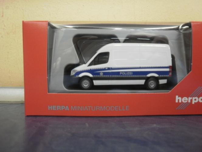 Herpa MB Sprinter 13 HD Kasten Bundespolizei 093316