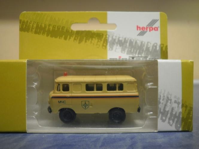 Herpa Minitanks UAZ Bus 452 MCHS