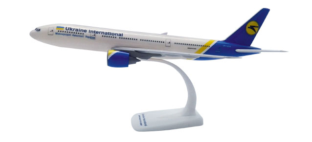 Herpa Snap Wings 1:200 Boeing 777-200 Ukraine International Airlines 611992