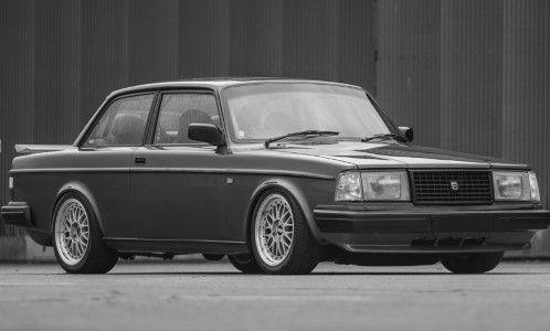 IXO 1:18 Volvo 240 Turbo Custom (1986) - grey