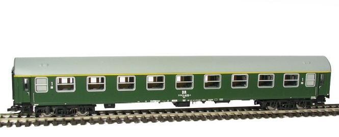 Kühn Reisezugwagen Y/B 70 1. Klasse der DR, Epoche IV