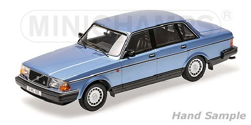 ds automodelle modellbauvertrieb minichamps 1 18 volvo 240 gl blaumetallic online kaufen. Black Bedroom Furniture Sets. Home Design Ideas