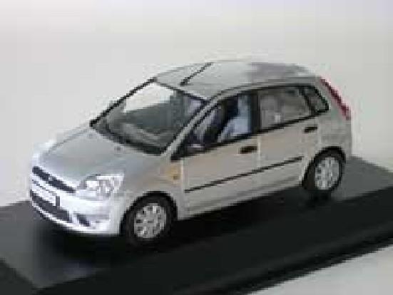Minichamps 1:43 Ford Fiesta 5-door - silver