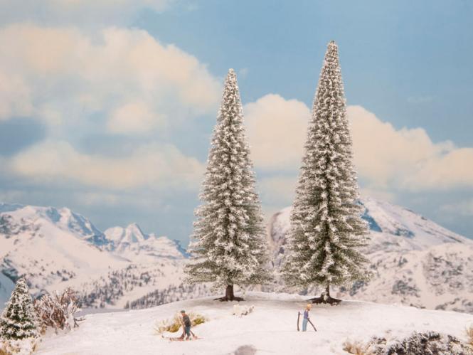 NOCH Schneetannen, 2 Stück, 18 und 20 cm hoch 21966