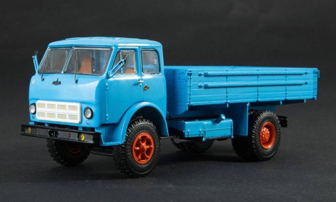 SSM LKW 1:43 MAZ-500A Pritsche, blau