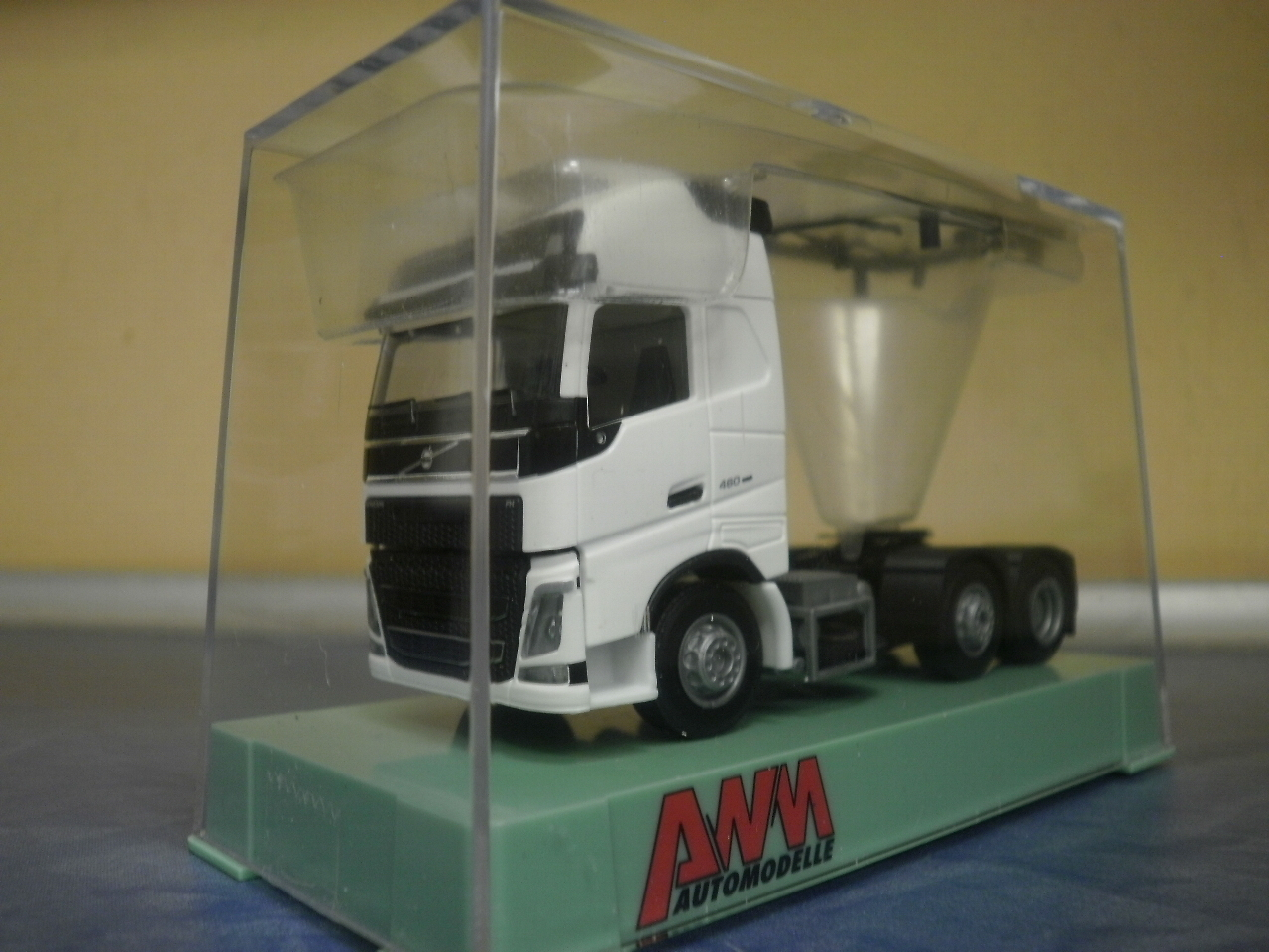 AWM LKW Volvo NEU FH4 XL Glob SZM 3-achs