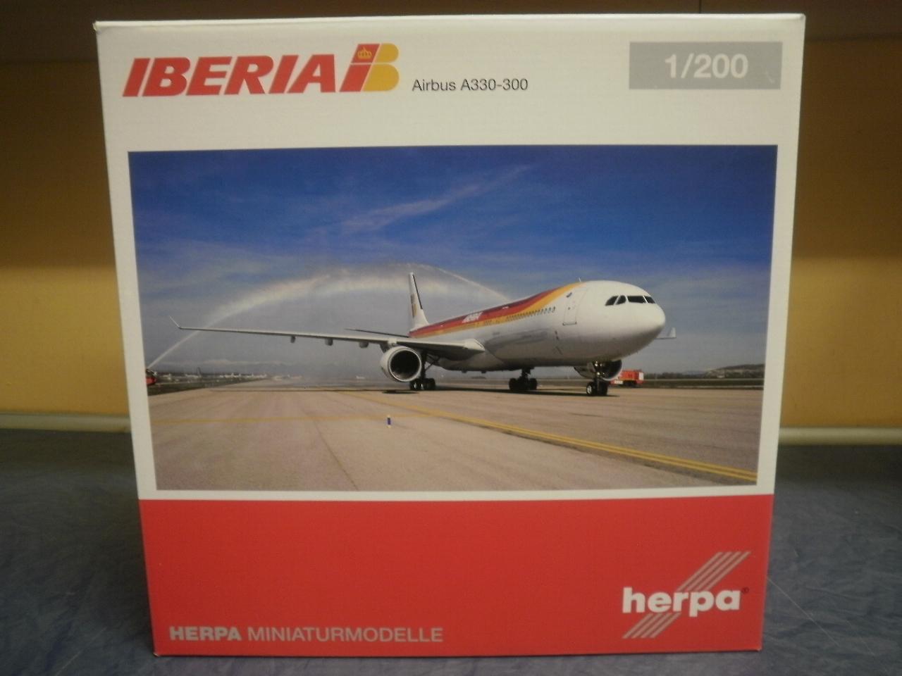 Herpa Wings 1:200 Boeing 787-800 Dreamliner Arke #dreamcatcher 557122